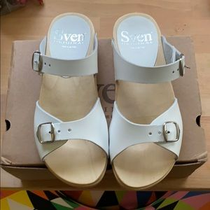 Sven white leather clog sandal size 37 (6.5-7)